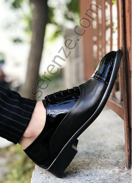 Siyah Deri Tarz Rugan Detay Erkek Klasik Ayakkabı