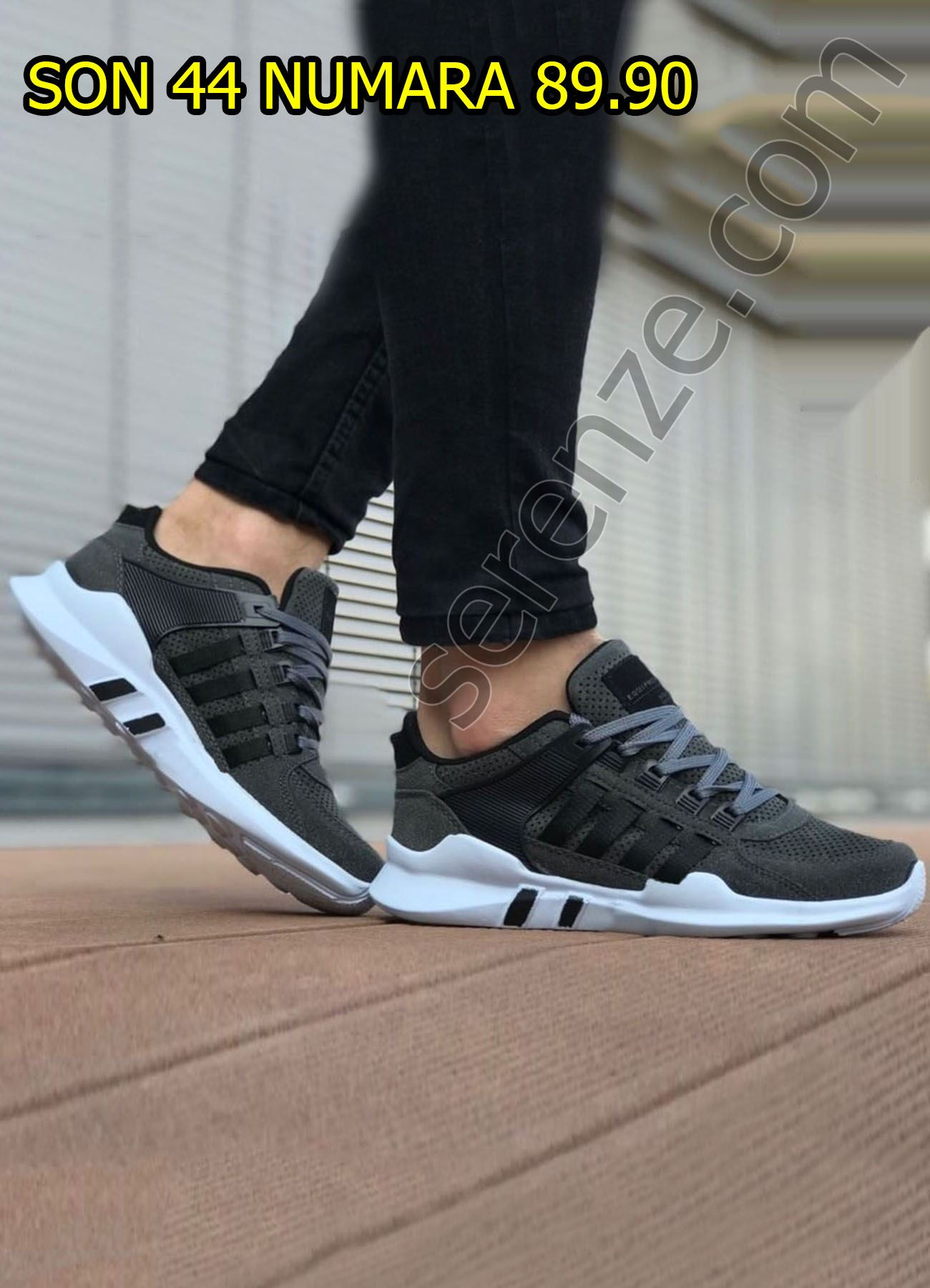 Siyah Çizgili Füme Spor Ayakkabı