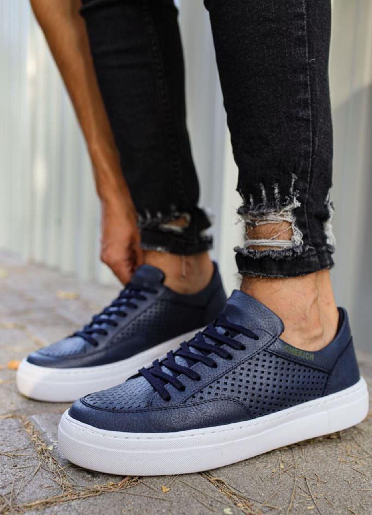 Delikli Model Lacivert Ayakkabı