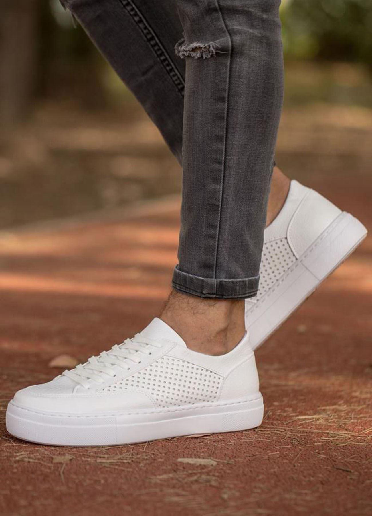 Delikli Yüksek Taban Beyaz Ayakkabı