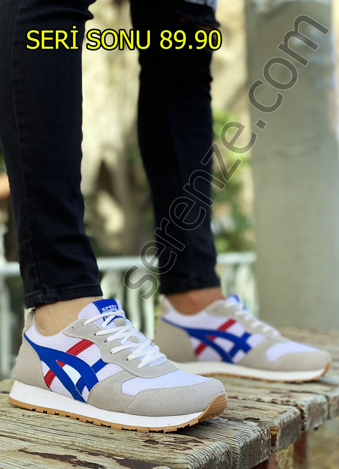 Beyaz Mavi Çizgi Detay Erkek Spor Ayakkabı